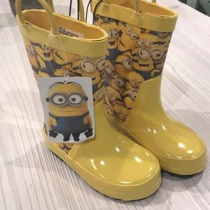 Other - Minions Rain Boots 7/8